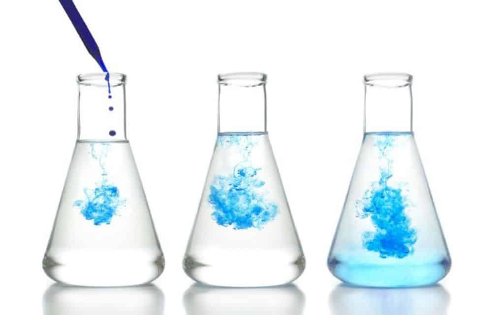 Proses penyebaran molekul dalam cairan melalui difusi